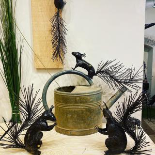 Nos écureuils en métal recyclé pour des idées déco originales #vezelay #lesoizeauxdepassage #lesoizeaux #boutiquedeco